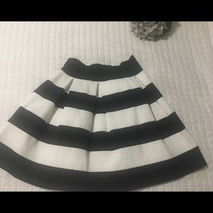 Black and white stripe textured skirt